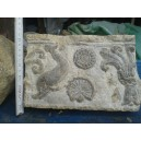 Cornice o greca scolpita nella pietra