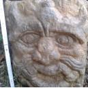 Mascherone nettuno  scolpito nella pietra
