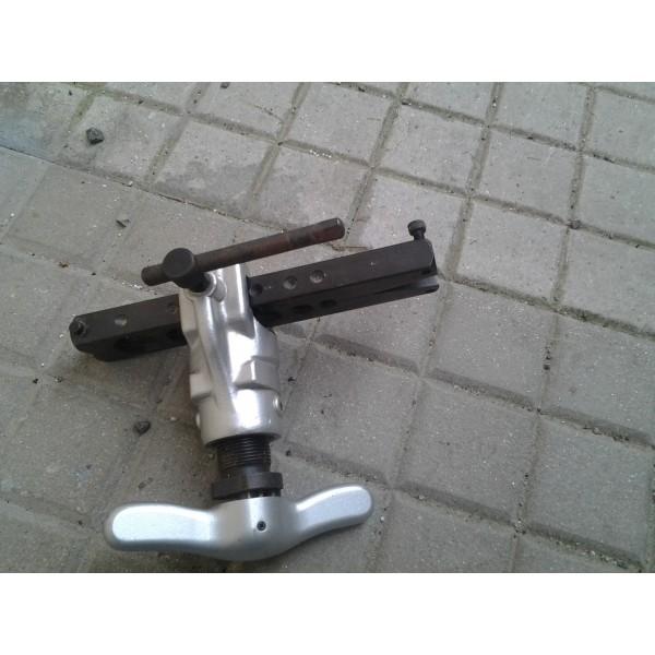 Cartellatrice per tubo di rame esuberi idraulici for Tubo di rame a pex